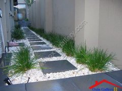 Wonderful-Landscaping-Ideas-with-White-Pebbles-and-Stones.jpg