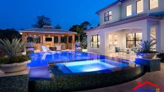 modern swimming pool with outdoor kitchen And fence I G IS1fcuj4i9hw1j0000000000 nhpFg